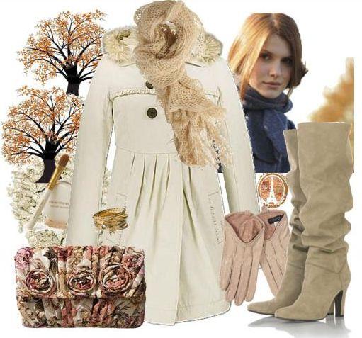 Белое пальто со светлыми сапогами