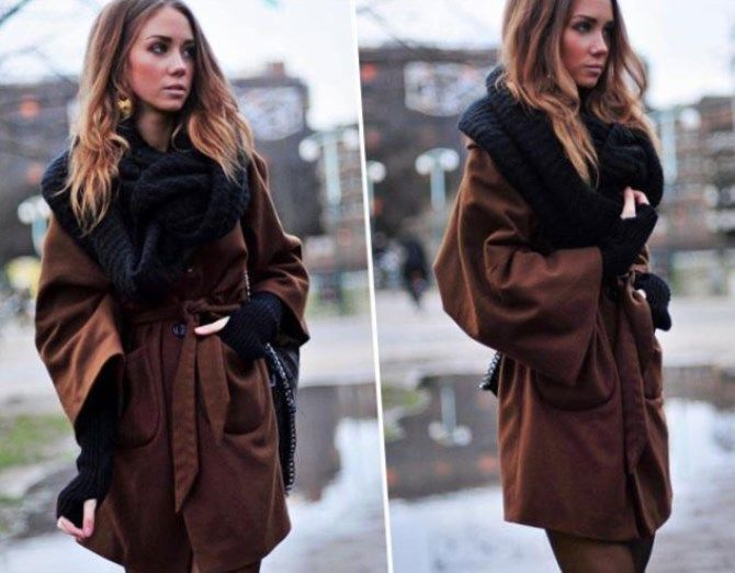 Черный шарф-снуд с коричневым пальто