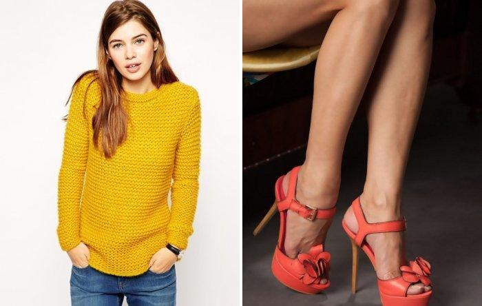 Желтый свитер и коралловые босоножки