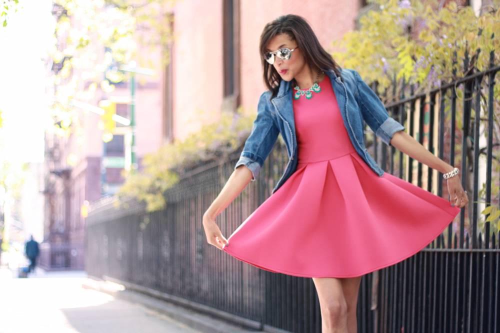 Малиновое повседневное платье