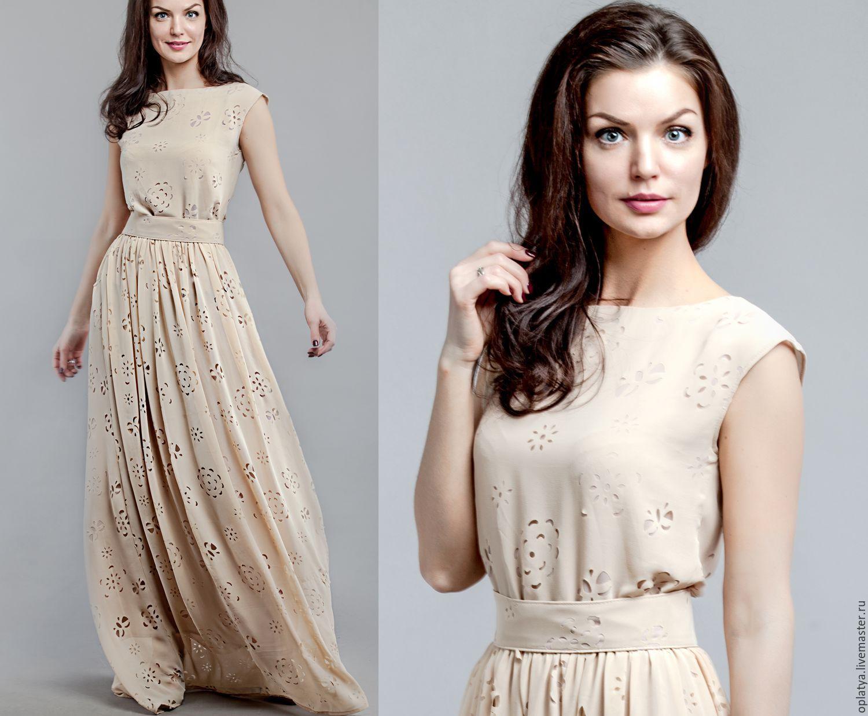 Платье в бежевом цвете