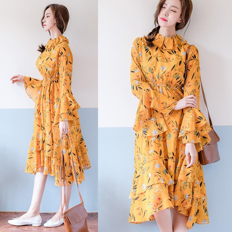 Удобное платье в желтом цвете