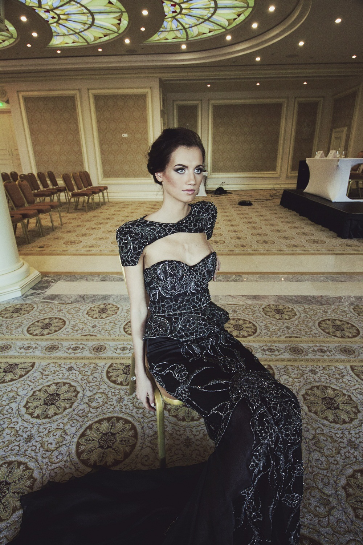 Платье в бриллиантах