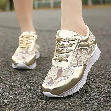Стильные золотистые кроссовки с кружевными вставками