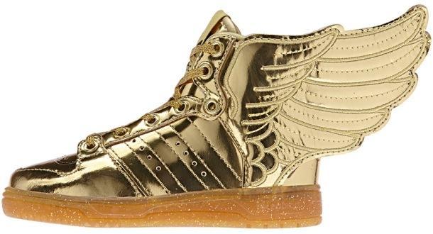 Золотистые кроссовки на полиуретановой подошве с блестками