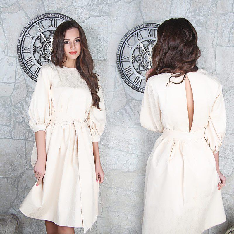 Светлое платье